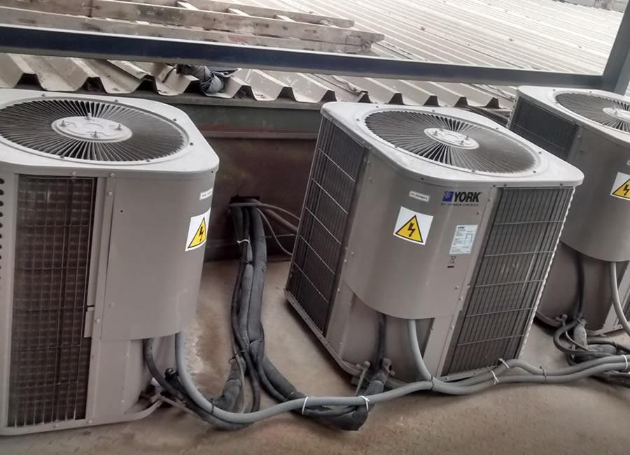servicios Instalación, reparación y mantenimiento de equipos de aire acondicionado y secadores de aire industrial