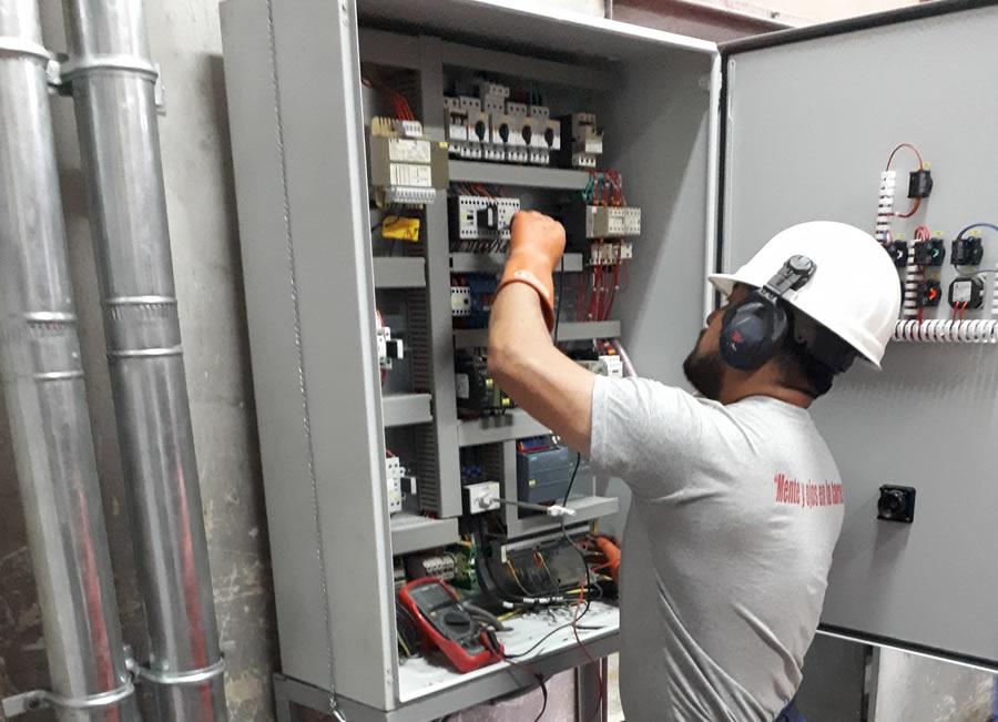 servicios implementacion y mantenimiento de tableros electricos y de control